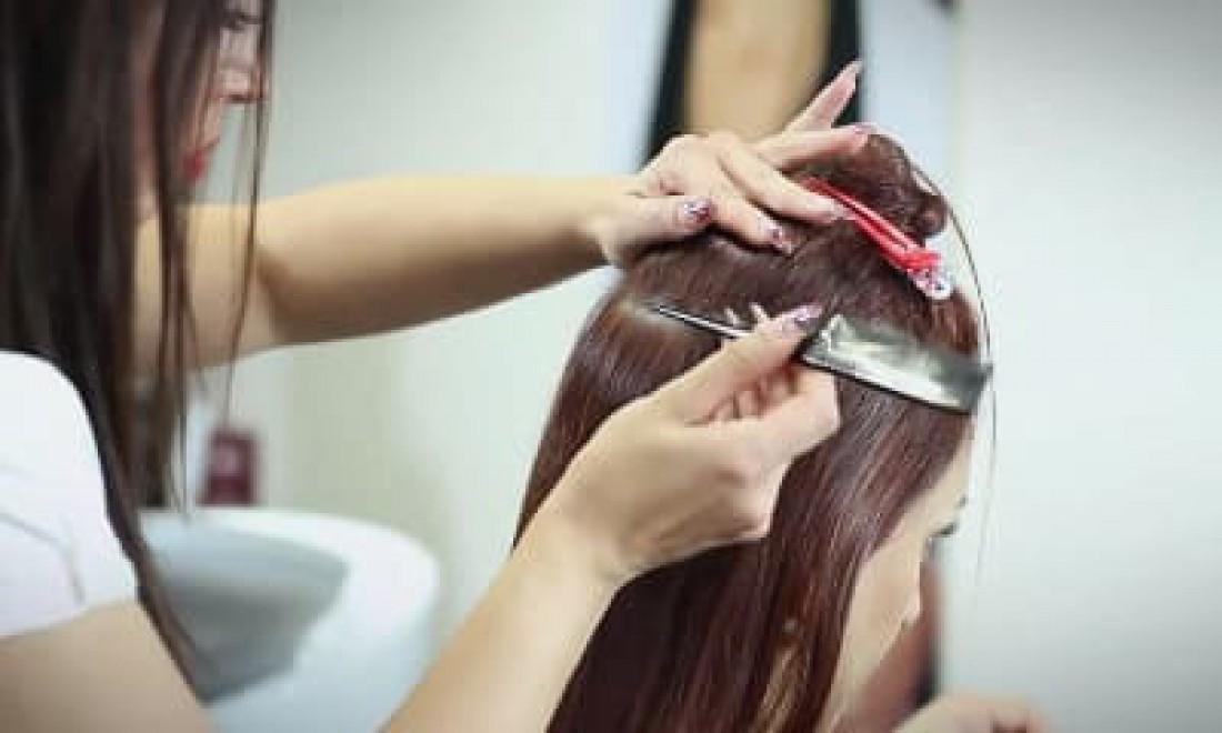 Friseur für Haarverlängerungen in München